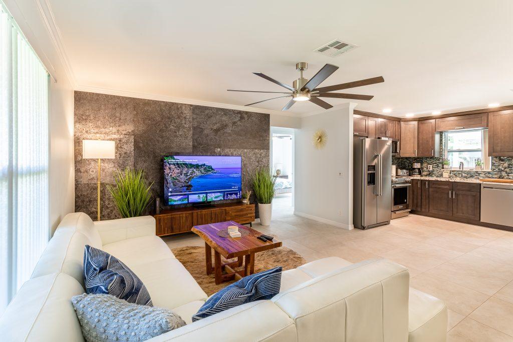 handyman; interior design; TV mounting