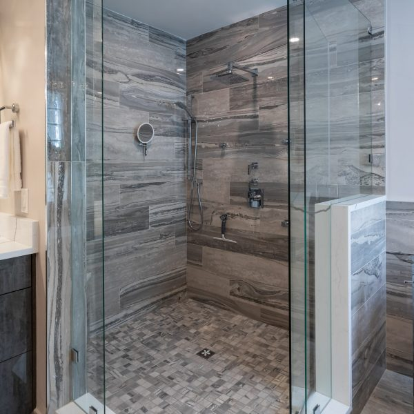 bathroom remodel; modern bathroom